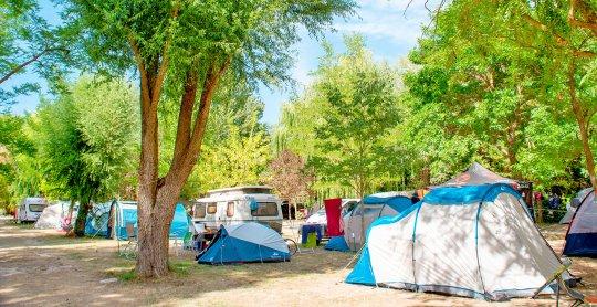 emplacement camping le petit lac